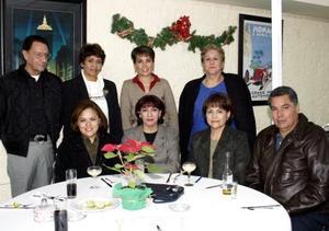 Antonio Máynez, Evagelina Juárez, Sara Alba, Martha del Real, Claudia Meléndez, Ema Sánchez, Virginia Bernal y óscar Mena
