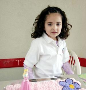 Anaví Aguilar Vázquez captada el día que cumplió seis años de vida.