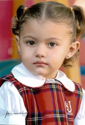 <b>12 de diciembre de 2004</b> <p> Mariana Montellano Chávez, hijita de Gerardo Alfonso Montellano y Martha Beatriz Chávez de Montellano.