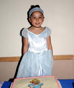 <b>13 de diciembre de 2004</b> <p> Daniela Michelle del Rio cumplió cinco años de vida y lo festejó con un convivio preparado por sus padres.
