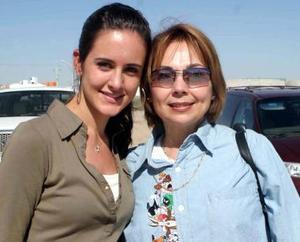 Lucía Sáenz y Jenny  de Alvarado