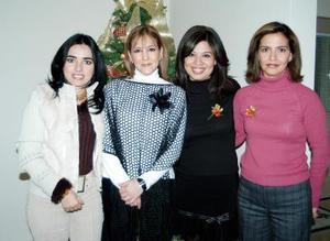 Mónica Silveyra, Perla Enríquez, Cecy Luna y Mary Tere Luna, captadas en pasada fiesta en víspera de la Navidad.