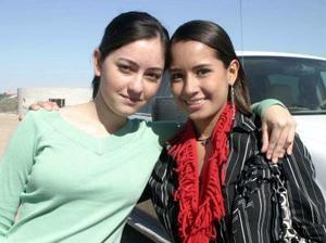 <b>14 de diciembre de 2004</b> <p> Nayeli Fernández y Lucía Ramos.