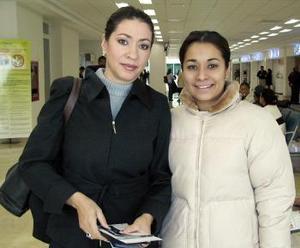 Norma Facio viajó a Houston y fue despedida por Nadia Facio