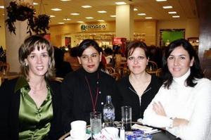 <b>16 de diciembre de 2004</b> <p> Mariángeles de Estrada, Yumana de Corcuera , Alejandra de Fernández y  Gisela de Tueme