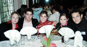 <b>16 de diciembre de 2004</b> <p> Pamela Villarreal, Fernando Humprey, Carla Settién, Bere Cepeda y Daniel Ceniceros