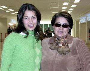 Carolina de Esquerra y Cecilia Carranza Esquerra viajaron a el DF.