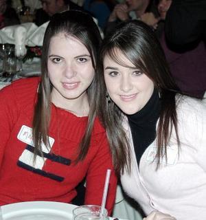 <b>16 de diciembre de 2004</b> <p> Marissa Navarro y Mariana Hoyos.