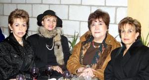 <b>17 de diciembre de 2004</b> <p> Rosina L. Nava, Ángeles Borrego, Lulú Villarreal y María Eugenia Quintero