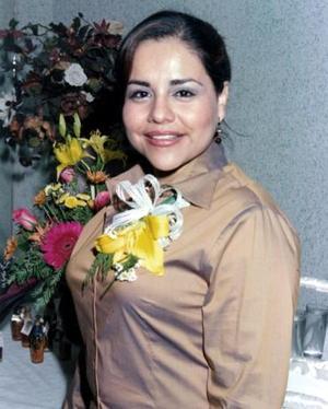 Karina Hernández Calzada disfrutó de una fiesta de despedida de soltera.