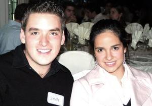 <b>17 de diciembre de 2004</b><p>   Alberto Martínez y Samantha Alanís