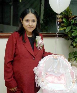 <b>17 de diciembre de 2004</b> <p> Norma Delgado tendrá en poco tiempo a su primer bebé.