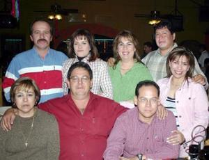 Jesús y Claudia Gamboa, Efrén y Edith Rodríguez, Jesús y Mireya González Olague, Eduardo y Patricia Burgos celebraron la próxima llegada de la Navidad con una posada.