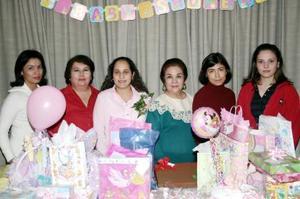 <b>17 de diciembre de 2004</b> <p> Luly de Armijo, Paty de Valdés, Anita Valdés, Claudia de Armijo y Rocío de Armijo, le organizaron una fiesta de canastilla a Luly de Mota