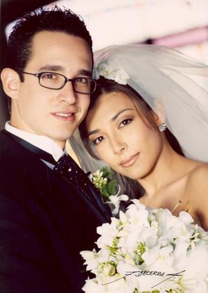 Lic Manuel S. Blanco Rodríguez y Lic Alejandra Aguilar Salas contrajeron matrimonio el sábado 30 de octubre de 2004 en la iglesia de la Inmaculada Concepción.