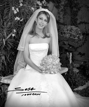 Srita. Elizabeth Segura Delgado unió su vida en ceremonia religiosa a la del Sr. José Antonio Vázquez Baile