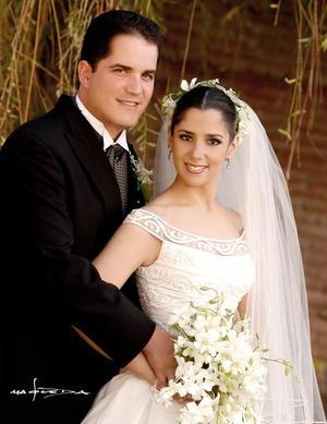 Lic. Jesús Javier Campos  y Lic. Lucía del Carmen Ortega se casaron el 13 de noviembre de 2004.