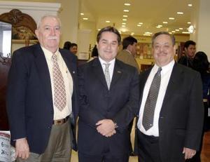 Julio Rodríguez, Fernando Arroyo y Roberto Rodríguez .