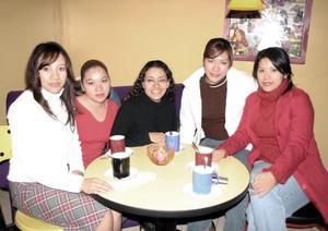 Ana, Mildory, Ana Luisa, Pamela y Karem .
