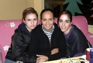 Gina Morales, Perla García y Sofía Lamas.