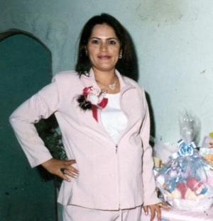 <b>19 de diciembre de 2004</b> <p> Sol Solórzano de García disfrutó de una fiesta de canastilla