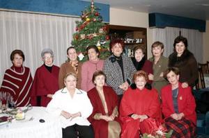 Damas pertenecientes al grupo de Voluntarias de las Vicentinas de Gómez Palacio.