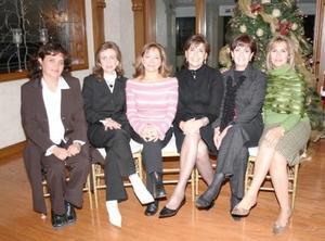 Esther Zarzar, Beatriz Mayagoitia, Soledad Anaya, Katia de Zarzar, Josefina de López y Carmen Dávalos, durante una posada del Club de Baile.