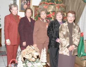 Grupo de los viernes en posada navideña