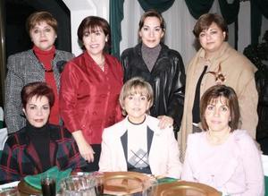 Sonia de Revuelta, Rocío de Juan Marcos, Ana Tere de García, Lupita de Rosas, Marú de Kort, Cristina de Dávila, Luly de Álvarez disfrutaron de una agradable reunión decembrina.
