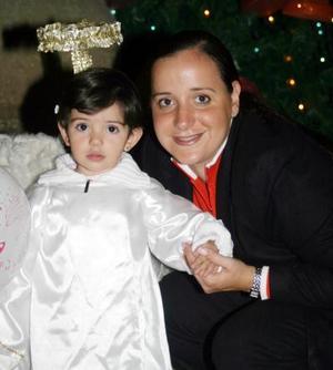 Cristy Rosas de Dovalina con su hijita Ana Cris Dovalina Rosas
