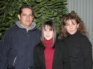 d-José Ignacio Elósegui y Lorena de la Garza festejaron a su hija Estefanía Elósegui de la Garza, con motivo de su cumpleaños