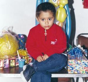 Brandon Maldonado Paz, es hijo de Mario Maldonado y Abigail Paz, captado en un convivio familiar.