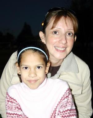 Cecilia y Amanda Madariaga.