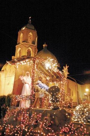 Con homenajes y un desfile multitudinario, iniciaron los festejos por el primer Centenario de la historia de Gómez Palacio.