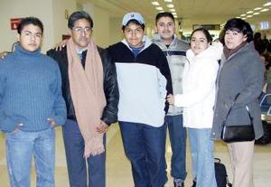 Édgar, Lupita, Andy, Sofía Ortiz viajaron a Tijuana y fueron despedidos por Santos y Alejandro Ortiz