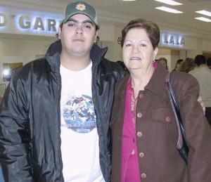 Elia Rosa Piñera viajó a Cancún y la despidió Jua  Manuel Acero
