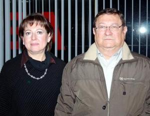 José Luis Diaz Flores disfrutó de un convivio  que le ofreció su esposa, Patricia Nájea de Diáz Flores, con motivo de su cumpleaños.