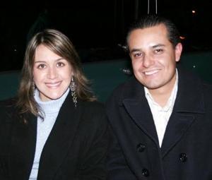 Claudia Perez de García y Juan Antonio García .