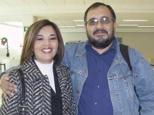 Marina Arvizu Rivas viajó al DF y la despidio Jorge Torres Vargas.