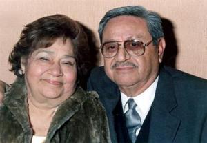Alberto Mares García y Juana María Sánchez de Mares celebraron su 50 aniversario, en compañia de sus familiares