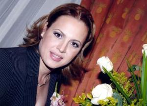 <b>23 de diciembre de 2004</b><p> Malena Zúñiga Mijares captada en su despedida de soltera.
