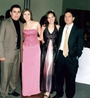 Armando Chávez, Eunice Martínez, Paty Sánchez, Joaquin Guerreo, en una graduación.