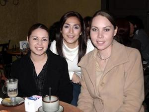 <b>23 de diciembre de 2004</b> <p> Sabrina de la Fuente, Alicia Valdez y Marina López