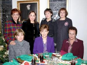 Maru de Félix, Gaby de García, Tere de Herrera, María Elena de Tinoco, Lety de Martínez, Lupita de Barrios y Betty de Gómez se reunieron en dias pasados para disfrutar de su posada