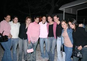 Ely, Luisa, Mariana, Carla, Susy, Xiomara, Ana Maria, Victoria y otras amigas.