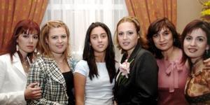 Karla Zúñiga Mijares, Bety Zúñiga Mijares, María Julia Garza Zuñiga, MArtha Zúñiga de Garza, Mónica Zúñiga de Gallegos, felicitaron ampliamente