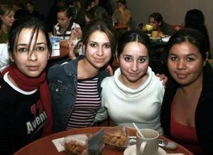 Evelyn Urbina, Sofy Vázquez, Stephanie Rodríguez y Ana Claudia Velazco.