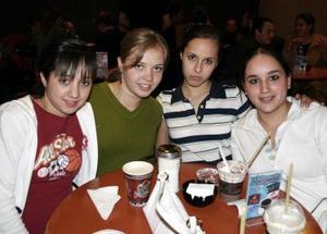 Karla Mitre, Ana Arias, Isabel Vera y Ana Rivera.