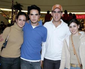 Lucía Sáenz, Iván Ortiz, Eduardo Gómez y Mariana Jiménez.