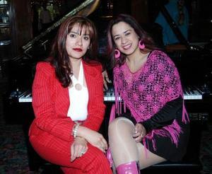 Lupita Rosales y Jenny Salcedo.